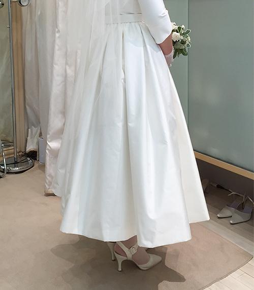 ミモレ丈のウエディングドレスがとっても可愛い!