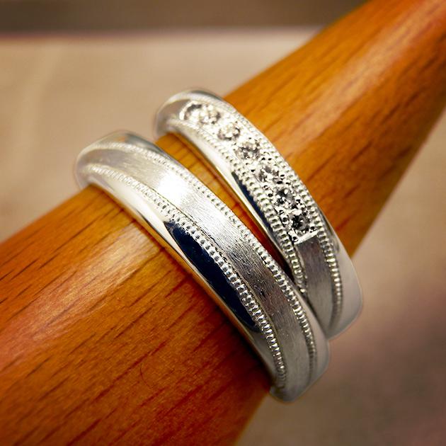 樹をテーマに作った結婚指輪の完成です。